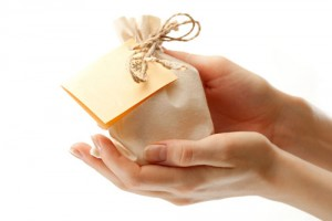 gift_hands